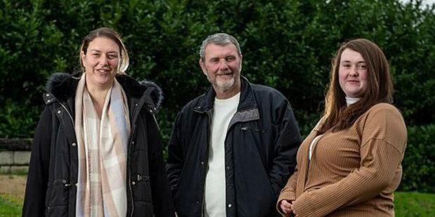 Žena několik let hledala biologického otce na sociální síti: Jak inzerát pomohl najít otce a nevlastní sestru