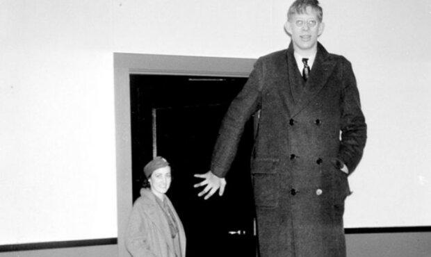 Jak žil Robert Wadlow: Nejvyšší muž v historii