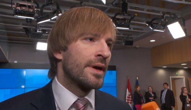Adam Vojtěch prozradil, kdy se začnou očkovat děti nad 12 let: ministr zdravotnictví dostal první dávku vakcíny
