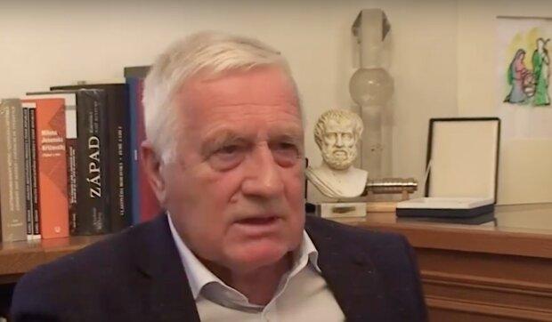 Vysoký tlak a žaludeční komplikace: Václava Klause trápí zdraví. Proč bývalý prezident musel znovu do nemocnice