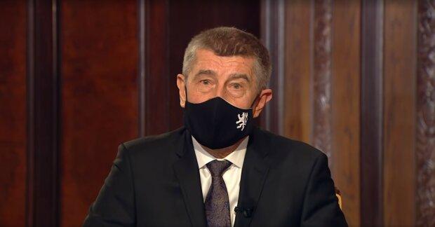 """""""Podařilo se dojednat urychlení dávek vakcíny"""": Andrej Babiš se vrací do Česka z Bruselu s dobrou zprávou"""
