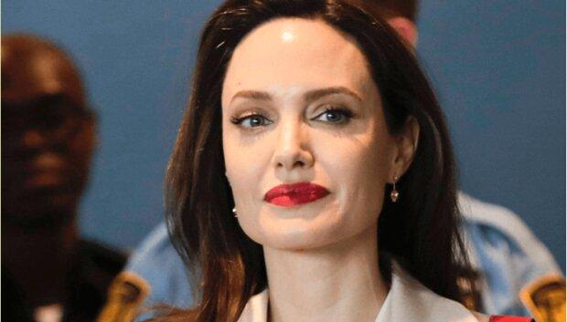 Ikona krásy se vrátila. Internet je potěšen novými fotografiemi hezké Angeliny Jolie se svými dcerami