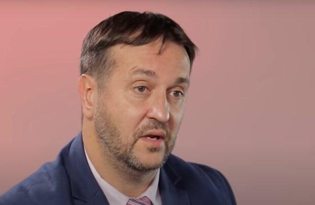 """""""Některá vládní protiepidemická opatření budou platit sezónně"""": Rastislav Maďar prozradil, jak dlouho se budou ještě uplatňovat různá opatření"""