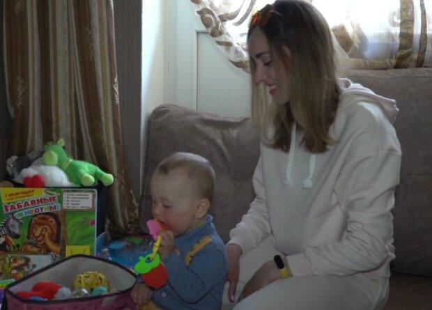 Mateřská dovolená. Foto: snímek obrazovky YouTube