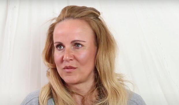 """""""Mám různě plno spálených kastrolů"""": Vendula Pizingerová otevřeně o mateřství před padesátkou"""