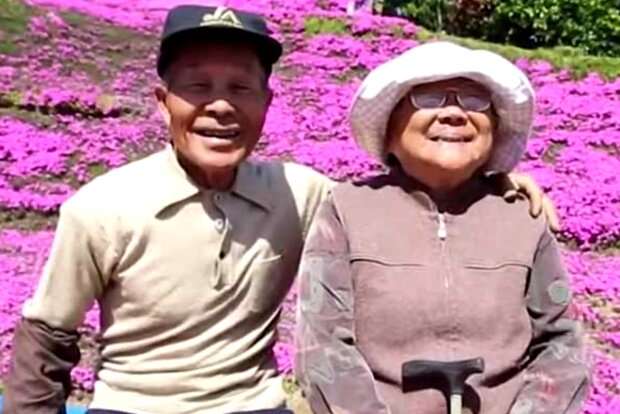 Muž zasadil 1000 květin kolem svého domu, aby zachránil svou ženu před depresí