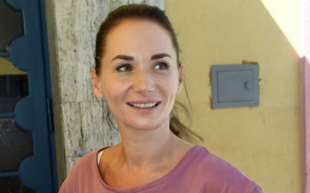 Další kráska bojuje s virem. Hvězda seriálu Sestřičky popsala svůj průběh nemoci