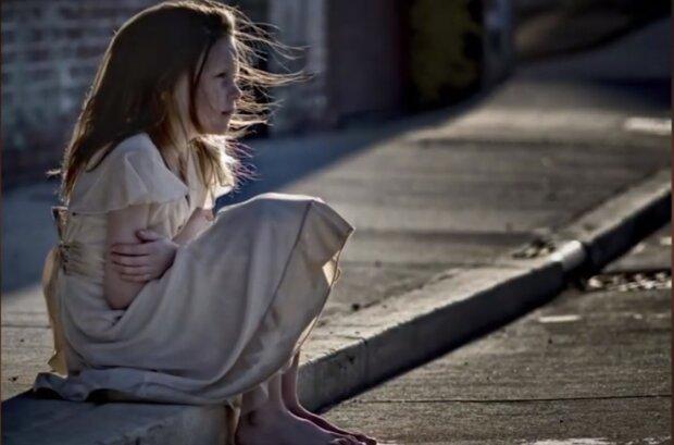 """""""Když jsme se dozvěděli, že spolužáčka mé dcery žije ve velmi chudé rodině, rozhodli jsme se jí pomoci, pak se nám chtělo odejít"""""""