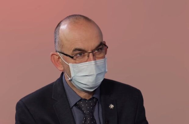 Počet nakažených stále klesá, Jan Blatný však nevylučuje posílení opatření: Co zakážou Čechům