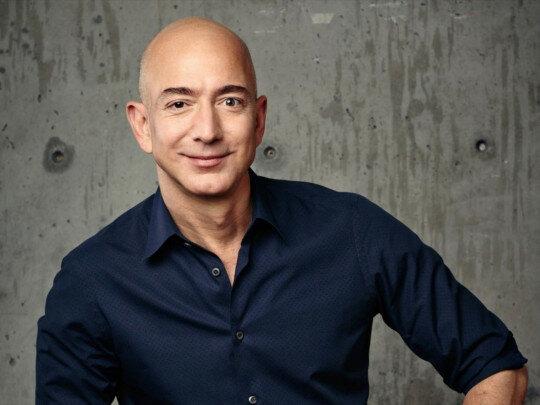 """""""Spím osm hodin a ráno lenoším"""": nejbohatší muž světa hovořil o své každodenní rutině"""