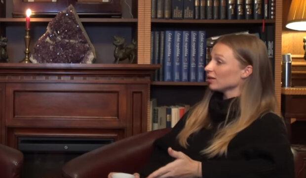"""""""Z normálního jídla může pouze vodu, olej a cukr"""": Plačící modelka Veronika Kašáková prozradila, jaký život čeká jejího syna"""