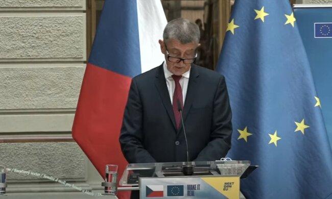 """""""Lidé si to zaslouží. Podstata je, že v tom vidíme motivaci"""": Premiér Andrej Babiš slíbil dva dny volna očkovaným. Kdo na ně má právo"""