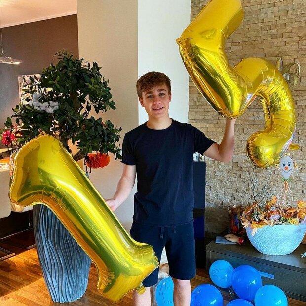 Je z něj velký kluk: Syn Leoše Mareše slavil 15. narozeniny