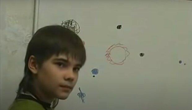 """""""Podle Borise jsou Marťané nad 7 metrů a dýchají oxidem uhličitým"""": Boris se svým rodičům přiznal, že žil na Marsu a tato planeta je obydlená"""
