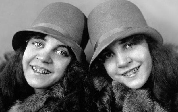 Daisy a Violet Hilton. Foto: snímek obrazovky wikimedia