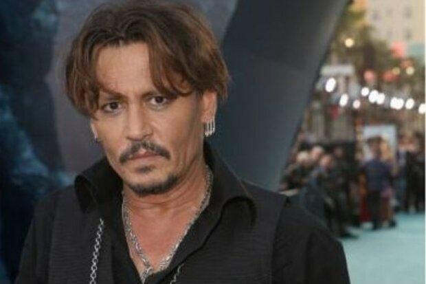 Johnny Depp umožnil nahlédnout do své obrovské zahrady doma v Los Angelesu a ukázal svůj výtvor