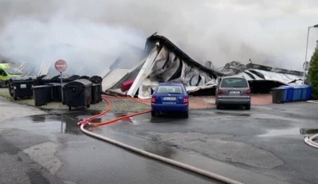 Požár v pražských Letňanech. Foto: snímek obrazovky YouTube