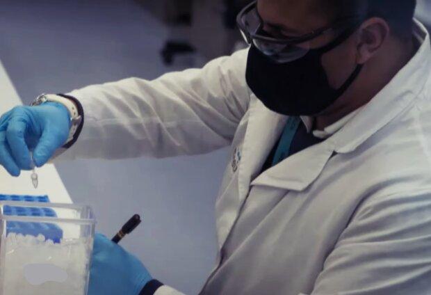 Vakcína. Foto: snímek obrazovky YouTube