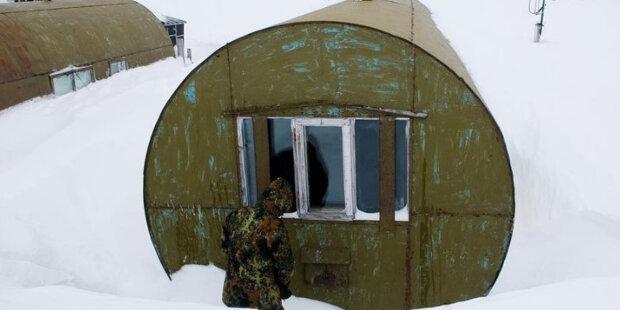 Někteří lidé na severu žijí v sudech: jak vypadají jejich domy zevnitř