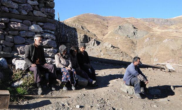 Proč před 300 lety rodina šla do hor: od té doby žijí oni a jejich potomci jako poustevníci