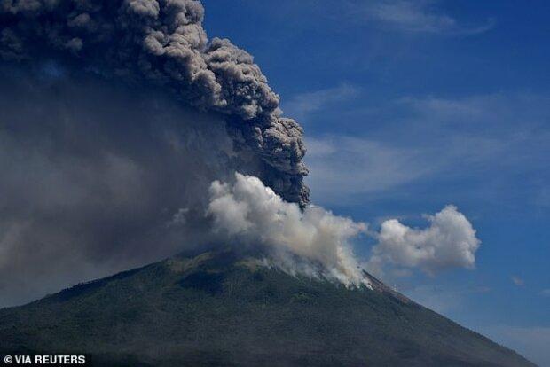 """""""Přírodní síla"""": na internet se dostaly vzácné záběry sopečné erupce, podrobnosti"""