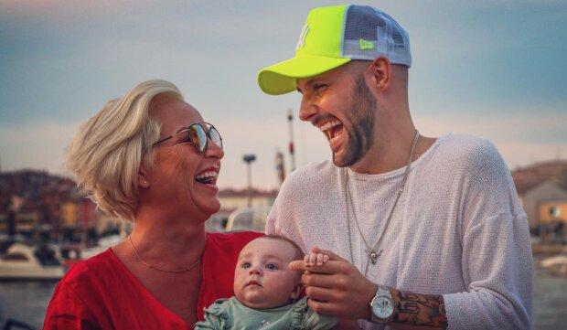 """""""Příště zůstaneme doma"""": Martina Pártlová vyrazila s tříměsíční dcerou a svým partnerem poprvé jako rodina do Chorvatska. Jak si to tam užívají"""