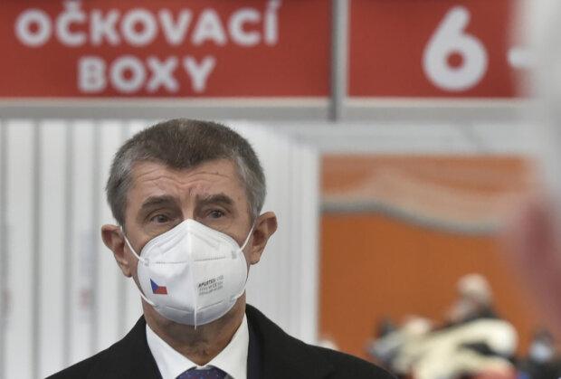 """""""Cílem je nejpozději 1. června otevřít kategorii 16–39"""": Andrej Babiš oznámil, kdy se budou moci registrovat k očkování lidé nad 45 let"""