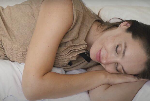 Úžasný způsob, jak rychle usnout kdykoliv a kdekoliv za 1 minutu