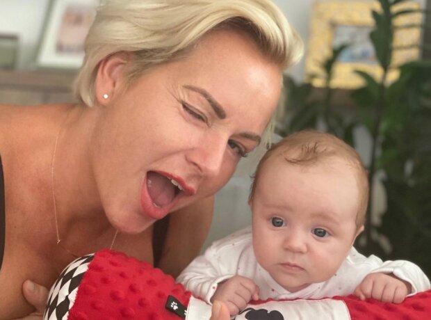 """""""Nebylo to jednoduché"""": Martina Pártlová a její desetitýdenní dcera mají vir už za sebou: Jak jsou na tom teď"""