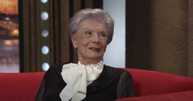 """""""Dejte mi roli. Tak moc chci ještě pracovat"""": 95letá  Zdenka Procházková na vozíku, ale prosí režiséry o roli"""