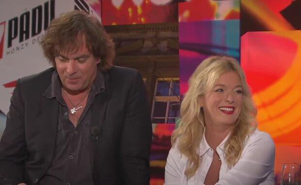Lucie Benešová a Tomáš Matonoha. Foto: snímek obrazovky YouTube