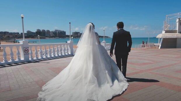 """""""Zatímco se na sebe usmíváte, je to v pořádku"""": Manželé, kteří oslavili diamantovou svatbu, řekli, jak udržet lásku na dlouhou dobu"""