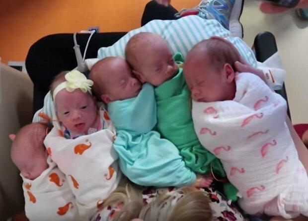 Narodit pět dětí najednou bylo obrovské riziko, ale matka to zvládla. Co je teď s dětmi