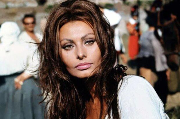 """""""Máš příliš dlouhý nos"""": tajemství krásy a úspěchu Sophie Loren"""