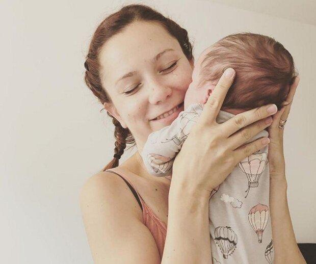 Už čtyři měsíce je maminkou: Takhle si krásná muzikálová herečka užívá novou životní roli