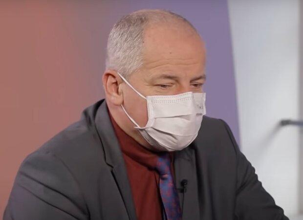 """""""V uplynulé sezóně ani jeden případ viru chřipky"""": Epidemiolog Roman Prymula promluvil o pozitivním vlivu roušek a respirátorů"""