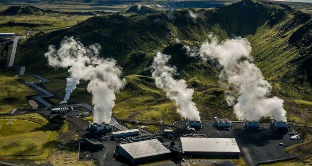 Na Islandu začala fungovat největší továrna na čištění atmosféry z oxidu uhličitého
