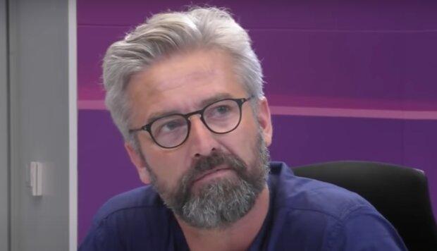 Pyšný otec: Syn Romana Zacha září v seriálu Božena. Je známo, proč mu herectví kdysi rozmlouval