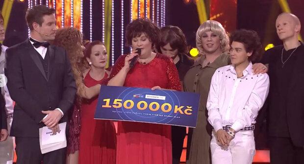 Vyšlo najevo, proč Bára Basiková plakala během pořadu Tvoje tvář má známý hlas