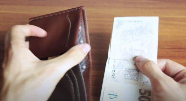 Peněženka. Foto: snímek obrazovky YouTube