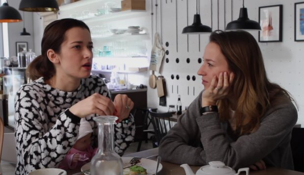 Marika Šoposká a Berenika Kohoutová. Foto: snímek obrazovky YouTube