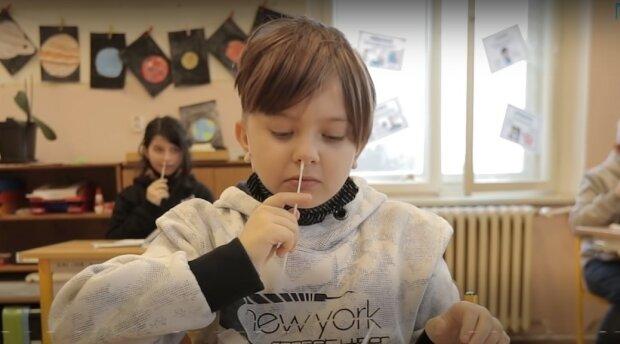 Čeští odborníci jsou znepokojeni neúčinností testů pro děti ve školách: proč se situace zhoršuje