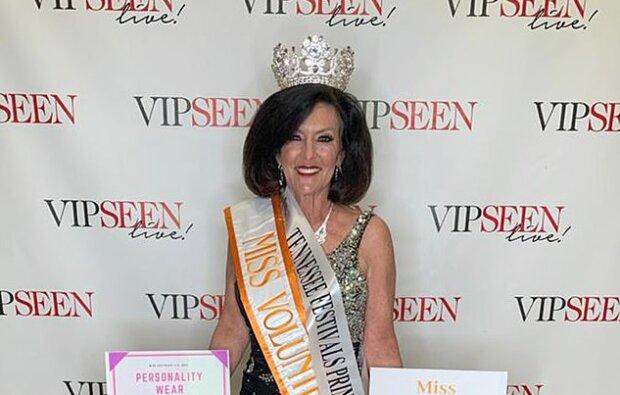 Okouzlující babička: 61letá žena se přihlásila na soutěž krásy, aby dala příklad své vnučce