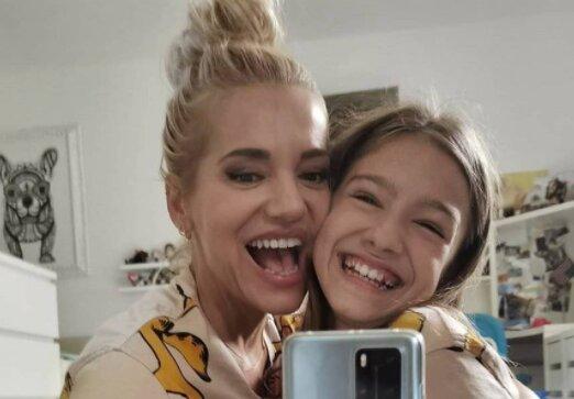 Vzpomínka z dětství: Dara Rolins zveřejnila fotku, na které vypadá jako její dcera Laura