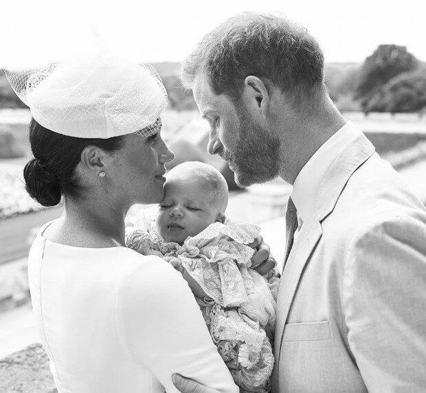 V životě malého prince se objevila dospělá žena: po přestěhování do USA si vévodkyně nemusela dlouho hledat novou chůvu pro ročního syna