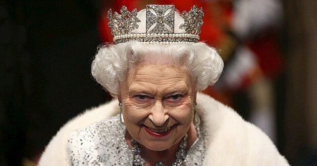 Nevěrný manžel, podvodníci-příbuzní a další čtyři tajemství Alžběty II., o kterých se moc nemluví