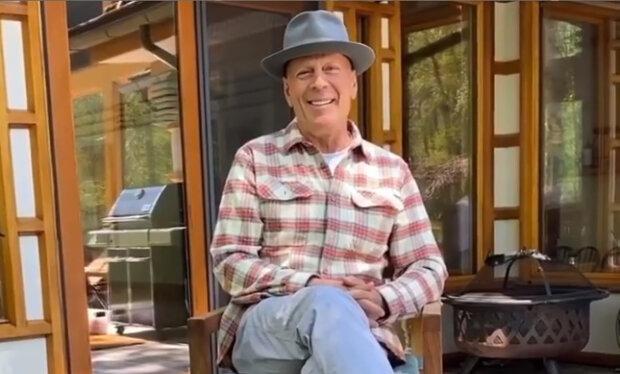 Bruce Willise vyhnali z obchodu za to, že odmítl nosit roušku: jak reagoval 65letý herec na čin vedení obchodu