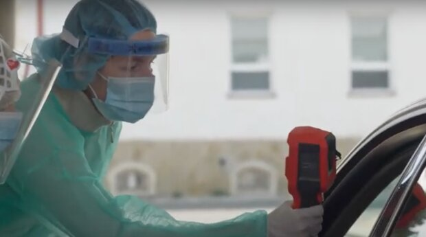 Denní počty klesají, spolu s tím mírně klesá zátěž nemocnic: Vláda schválila další rozvolnění. Ministerstvo zdravotnictví zveřejnilo nové informace