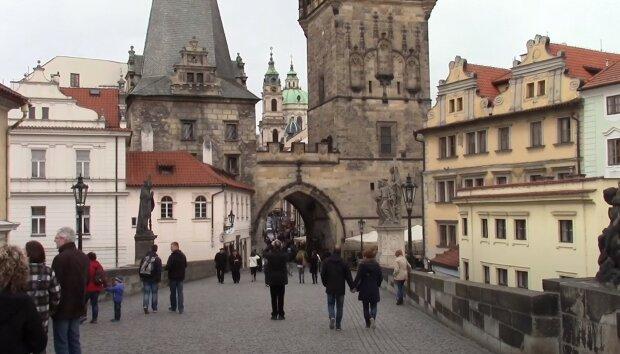 Do Česka přichází vlna veder: Ochlazení v nejbližších dnech připomene, že podle kalendáře je zima. Meteorologové udělali předpověď
