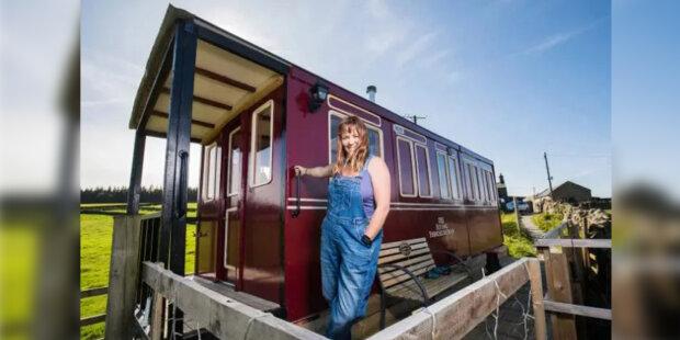 Za 89 dní 47letá Emma postavila dům z odpadků: Britka se naučila vydělávat peníze pronajímáním neobvyklého bydlení